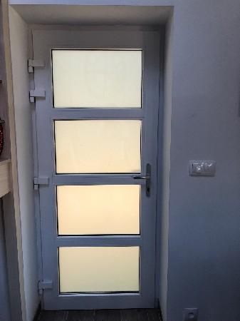 Porte d'entrée PVC blanc .
